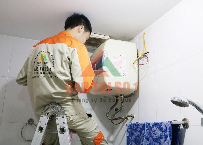 Kỹ thuật viên sửa bình nóng lạnh ở Hà Đông - Bảo trì số 1