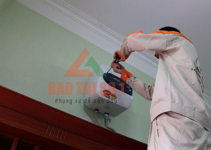 Dịch vụ vệ sinh bảo dưỡng bình nóng lạnh Kangaroo tại nhà