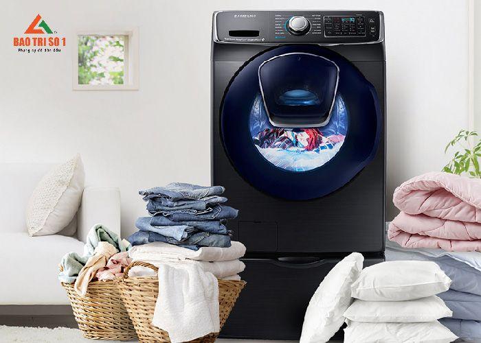 <center>Máy giặt SamSung sau khi kỹ thuật khắc phục xong tại nhà</center>