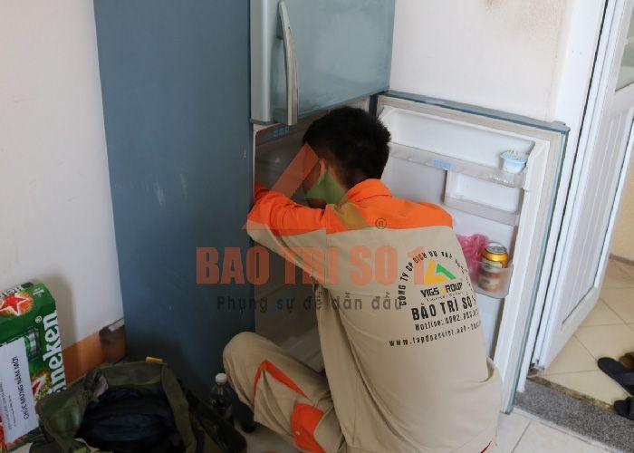 Bảo Trì Số 1 sửa tủ lạnh LG bị đổ mồ hôi
