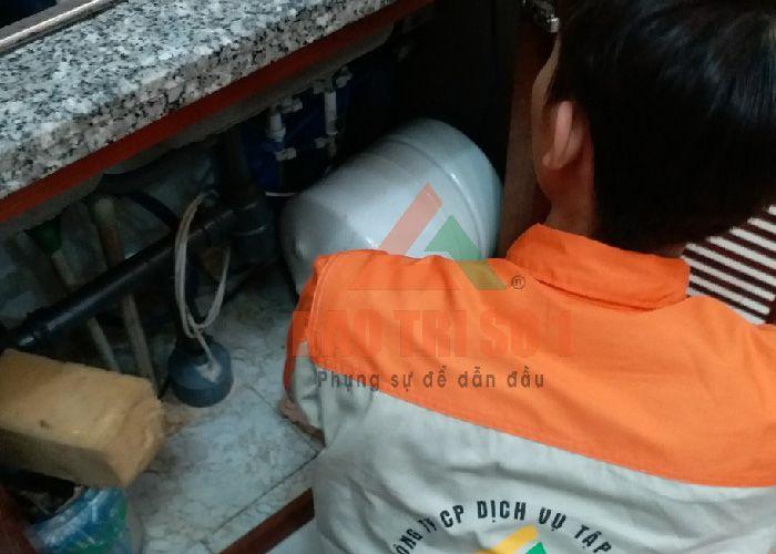 Thay lõi máy lọc nước tại nhà Dr Sukida giá rẻ